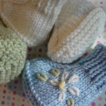 Sweet Little Booties, Knit in the round, pdf format (PATTERN ONLY)